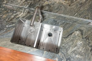 metalicus granite-kitchen